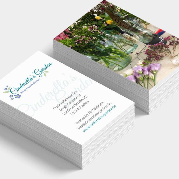 Vorder- und Rückseite der Visitenkarten von Cinderella's Garden.