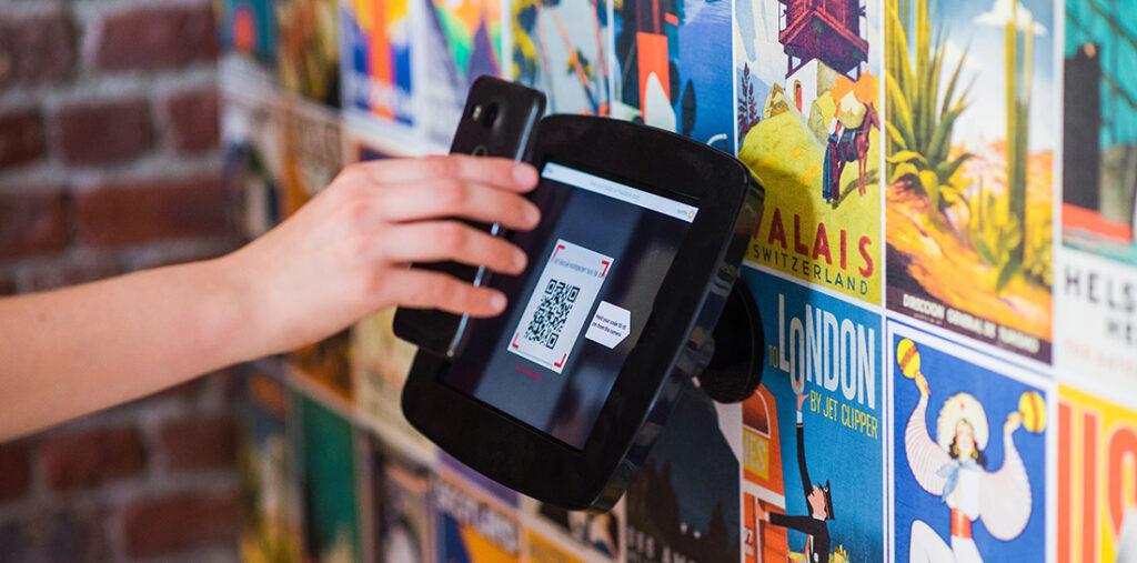 Die praktischen QR-Codes können reichlich Informationen beherbergen. Besonders im Publikationswesen und Marketing wir die Anwendung eingesetzt um so zum Beispiel Kontakte abzuspeichern oder Informationen zu erhalten.