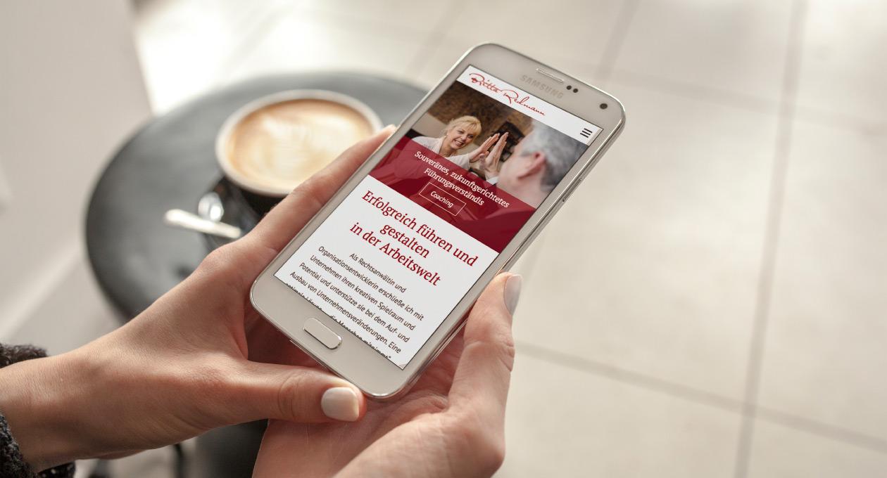 Webdesign Britta Redmann auf dem Smartphone.
