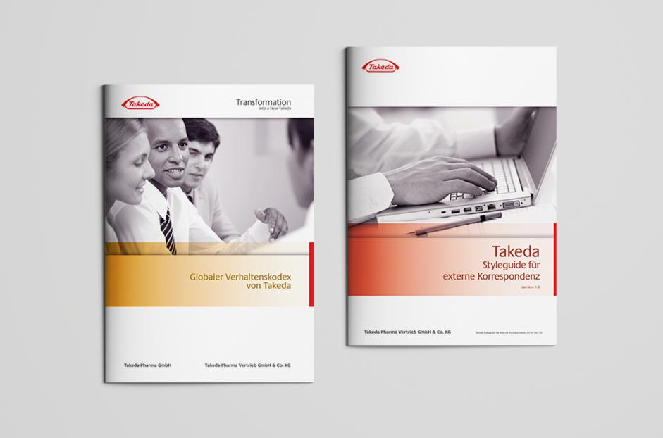 Broschüren zum globalen Verhaltenskodex von Takeda und zum Styleguide für externe Korrespondenz.